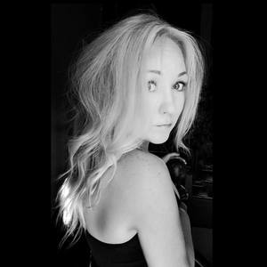 Lauren Dickinson's Profile