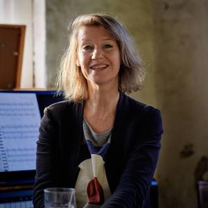 Monique van den Hout's Profile