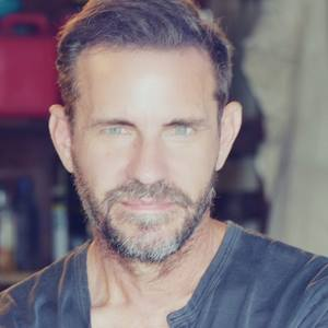Robert Kelley's Profile