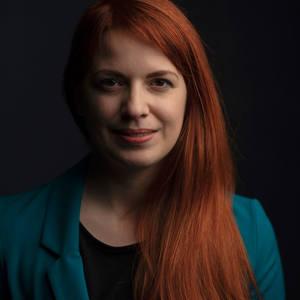 Emma Pesti's Profile