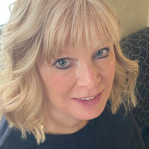 Polly Norman's Profile
