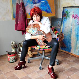 Anna Bloomfield-Ravliuc's Profile