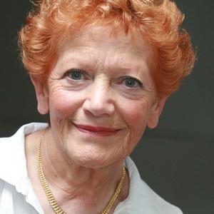 Lesley Deacon's Profile